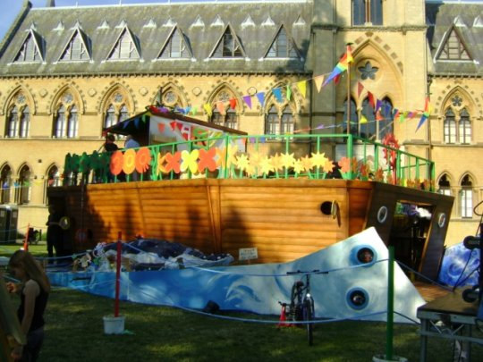 The completed Ark situated outsdie the Natural History Museum in Oxford