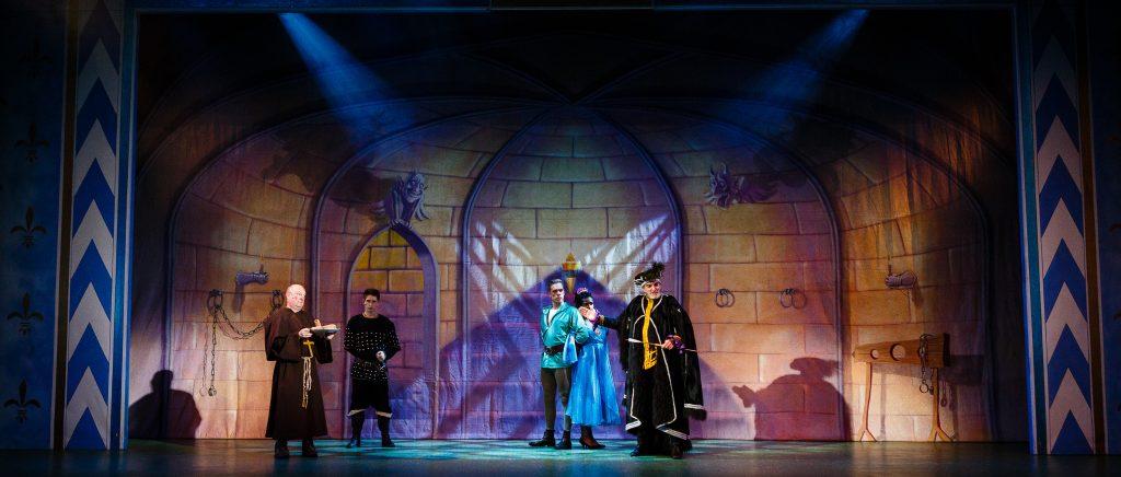 DSH Robin Hood Pantomime Castle Dungeon - photography Steve Tanner