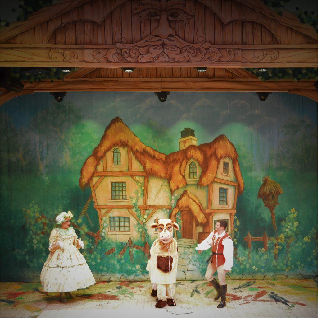 DSH Jack and the Beanstalk set 2 pantomime Dame Trott's cottage cloth