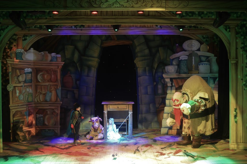DSH Jack and the Beanstalk set 2 pantomime Jack 2 Giant's Kitchen with Ogma the giant