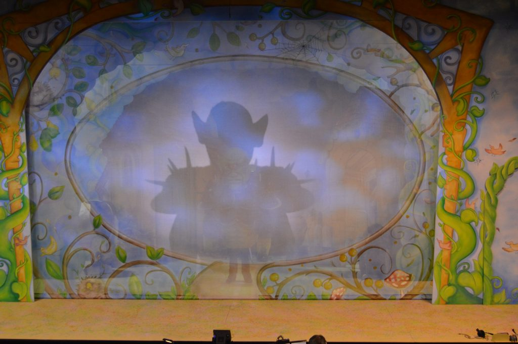 DSH Jack and the Beanstalk set 3 pantomime Jack 3 show gauze with Balor looming