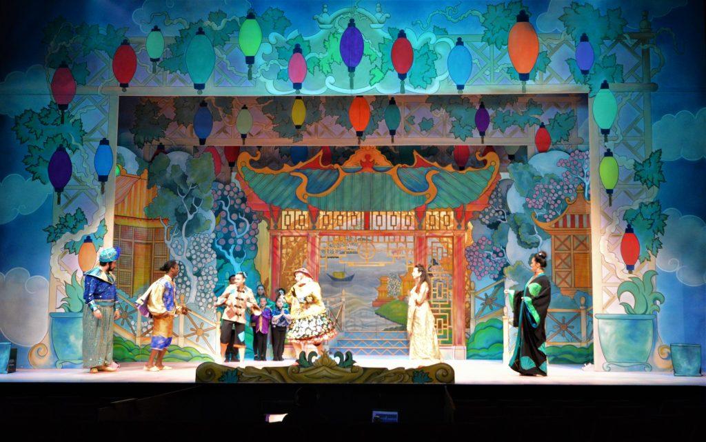 DSH Aladdin set 2 pantomime The Palace Garden and Flying Palace