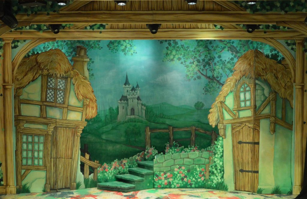 DSH Jack and the Beanstalk set 2 pantomime Village close up