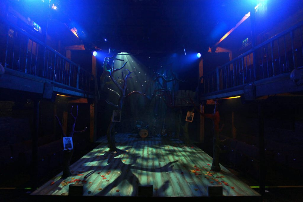 Robin Hood - designed by Frankie Bradshaw at the Watermill Theatre. DSH scenery build.