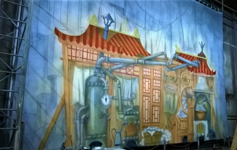 DSH Aladdin Set 2 widow Twankey's Laundry cloth on the paint frame.